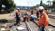 Waspada! 44 Titik Rawan Bencana Perlintasan Kereta Api di Jawa Barat