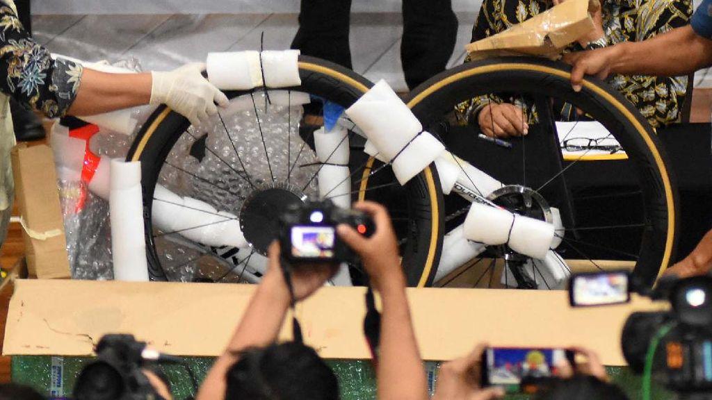 KPK: Edhy Prabowo Beli Sepeda Mewah saat di Luar Negeri