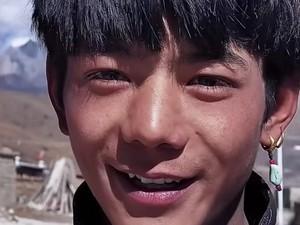 Pemuda Desa di Tibet Viral, Wajahnya Bikin Netizen Terpana