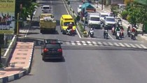 Viral Video Ambulans Lawan Arus Tabrak Motor di Banyuwangi