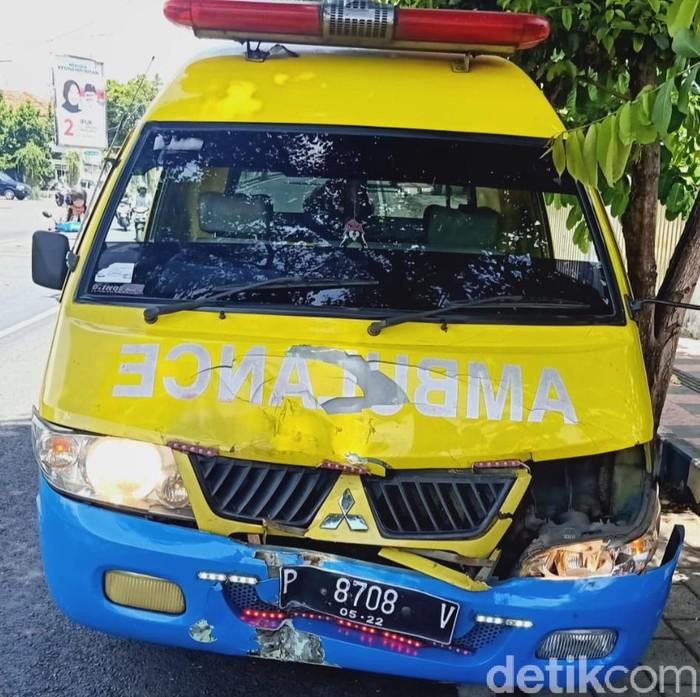 viral ambulans tabrak motor