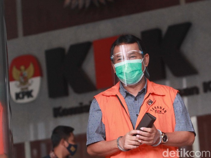 KPK menyatakan berkas tuntutan eks Bupati Bogor periode 2008-2014 Rachmat Yasin sudah lengkap (P21) dan segera dibawa ke Pengadilan Tipikor Bandung.