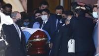 Maradona Disemayamkan di Istana Presiden dan Jejaknya yang Diburu Traveler