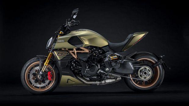 Edisi khusus Ducati Diavel yang terinspirasi desain Lamborghini Sian