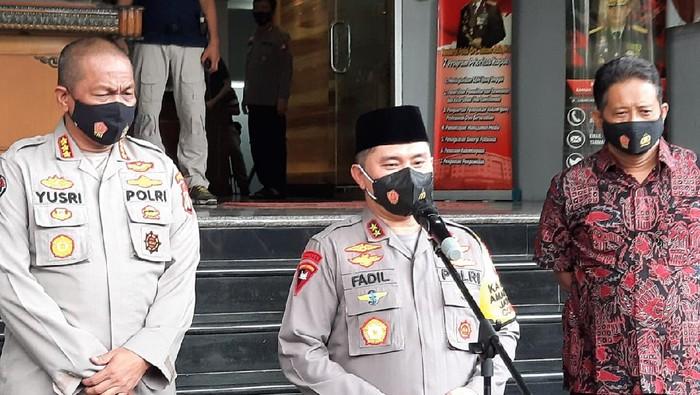 Kapolda Metro Irjen Fadil Imran jelaskan kasus kerumunan acara Habib Rizieq.