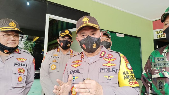 Kapolda Metro Jaya Irjen Fadil Imran kunjungi Koramil 04 Cengkareng