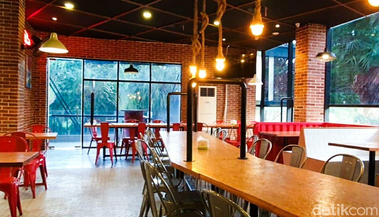 Kedai Sutan Makmur: Lezatnya Nasi Kapau Lauk Gulai Tambusu dan Dendeng Lambok