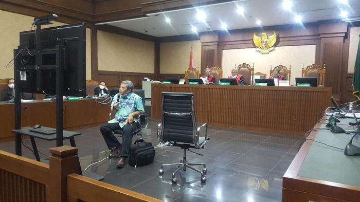 Eks Ketua PN Jakut Lilik Mulyadi jadi saksi di sidang Nurhadi, Jumat (27/11/2020).