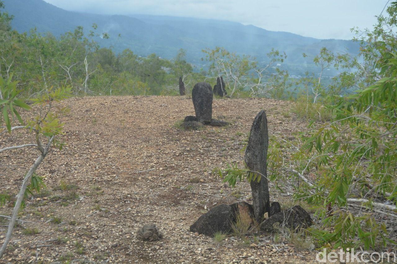 Menhir di Bukit Tutari