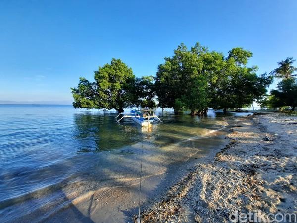 Wisatawan bisa melihat aktivitas nelayan di sana. (Dokumen Pokdarwis Desa Malaju)