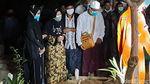 Potret Pemakaman Bupati Situbondo Dadang Wigiarto