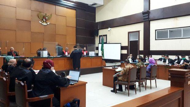 Sidang kasus surat jalan palsu di PN Jaktim, Jumat (27/11/2020).