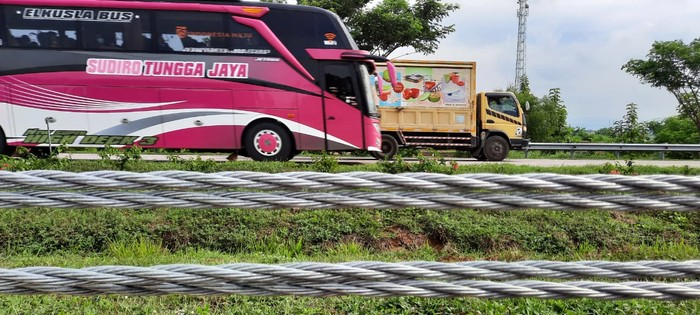 Persiapan Tol Cipali jelang libur Nataru 2020-2021.