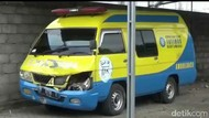 Ambulans Lawan Arus Tabrak Polisi di Banyuwangi, Siapa yang Salah?