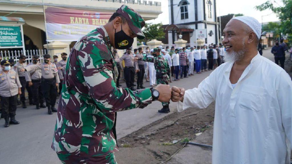 Usai Penurunan Baliho Habib Rizieq, TNI-Ormas Islam di NTB Gotong Royong