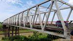Begini Kondisi Lantai Jembatan Poncol yang Ambrol