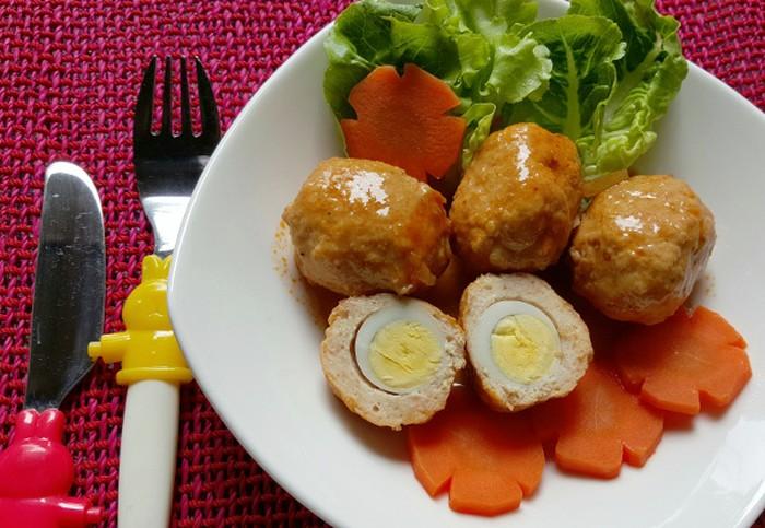 Bola-bola Ayam Isi Telur Puyuh