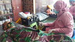 Tak Hanya Sehat, Donor Darah di Banyuwangi Makan Bakso dan Es Campur Gratis