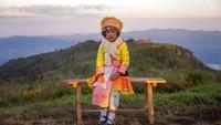 Phu Chi Fa adalah gunung dan hutan taman nasional perbatasan antara Laos dan Thailand.