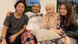 Keisha Alvaro Bawa Gandengan ke Ulang Tahun Pasha Ungu