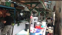 Pasar menjadi salah satu tempat yang selalu dikunjungi setiap hari. Ini penampakan protokol COVID-19 Pasar Gondangdia, aman dari Corona?
