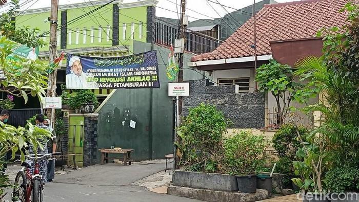Suasana Gang Paksi yang jadi akses masuk ke rumah Habib Rizieq di Jl Petamburan III, Jakpus (dok detikcom)