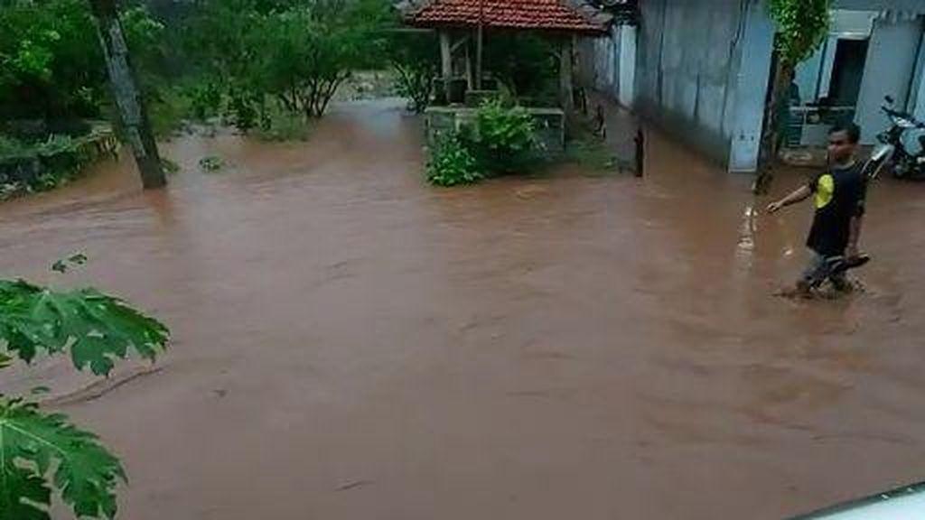 Sungai Kunci Meluap, Lima Desa di Bojonegoro Kebanjiran