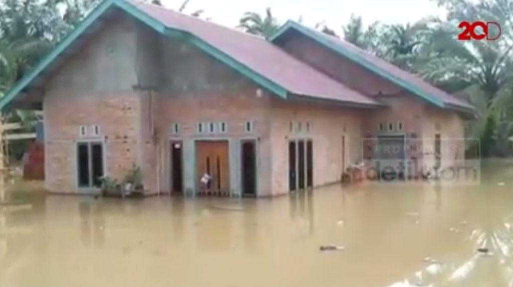 Dahsyatnya Banjir Tebo Ilir Jambi, Ketinggian Air Capai 2 Meter