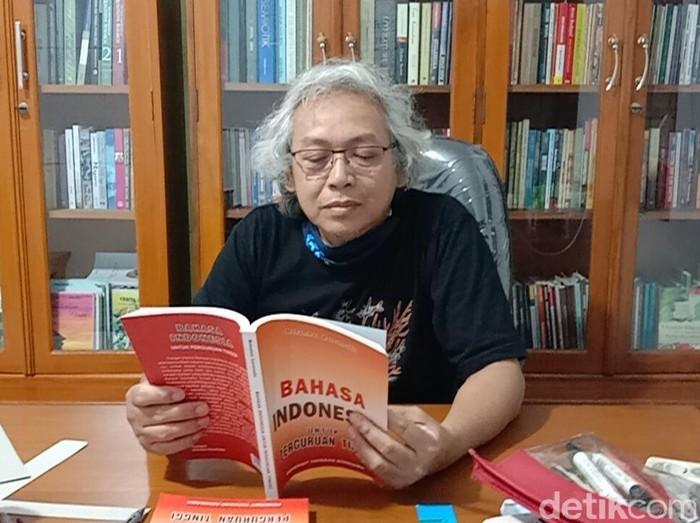 Dosen Program Pendidikan Bahasa dan Sastra Indonesia pada Universitas Muria Kudus, Mohammad Kanzunnudin, Rabu (24/11/2020).