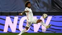 Madrid Vs Alaves: Marcelo Dijambak, Wasit Cuek Tak Beri Penalti