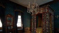 Selain kamar putri victoria, ada pula kamar pribadi milik Queen Marry II. Tempat tidur di kamar diperkirakan dimiliki oleh James Edwart Stuart, putra Raja Jamse II di Istana St James yang lahir pada 1688. (Kensington Palace)