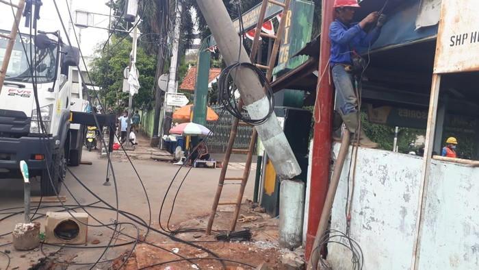 Kabel Sempat Melintang di Jl Matraman, Polisi: Sudah Diperbaiki-Lalin Lancar
