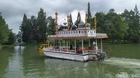 Memasuki kawasan Little Venice wisatawan akan disuguhkan berbagai wahana di dalamnya. Cocok untuk liburan bersama keluarga. (Ismet Selamet/detikcom)
