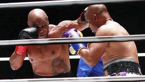 Naik Ring Lagi, Begini Aksi Mike Tyson Lawan Roy Jones Jr