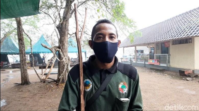 Ranger di Pulau Komodo.