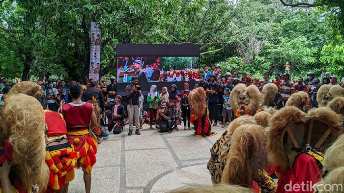 Seniman Reog Obyok mendeklarasikan dukungan kepada paslon Ipong Muchlissoni-Bambang Tri Wahono