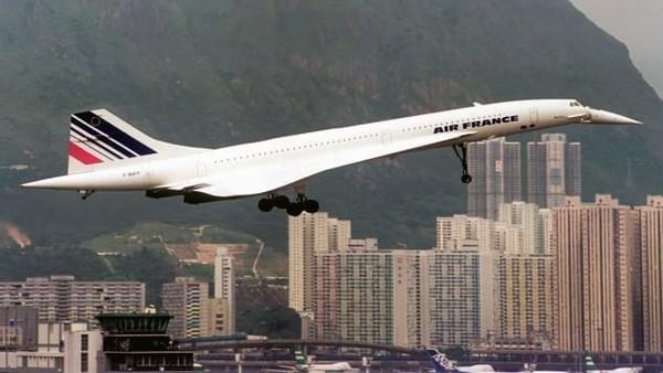Airside di eks Bandara Kai Tak Hong Kong juga akan memiliki sky farm, ventilasi alami, sistem pemilahan dan penyimpanan limbah cerdas otomatis. Sistem keberlanjutan dan ramah lingkungan sangat diperhatikan.