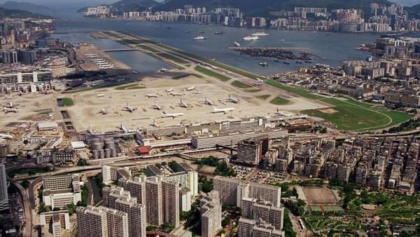 Airside di eks Bandara Kai Tak Hong Kong akan berlokasi di sebelah stasiun metro Kai Tak MTR yang baru. Lokasinya tepat di bekas Apron Utara dari bandara lama.