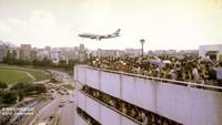 Bagian Hong Kong ini sebagian besar belum berkembang sejak penutupan bandara. Tidak diragukan lagi, pembangunan di sana akan membangkitkan kenangan akan hari-hari ketika pesawat raksasa turun difoto melalui bangunan pemukiman kota.