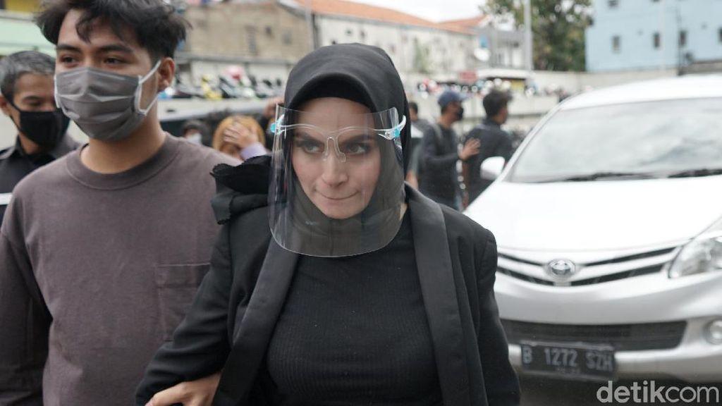 Asha Shara Tak Ungkap Alasan Cerai, Bukan Orang Ketiga dan KDRT