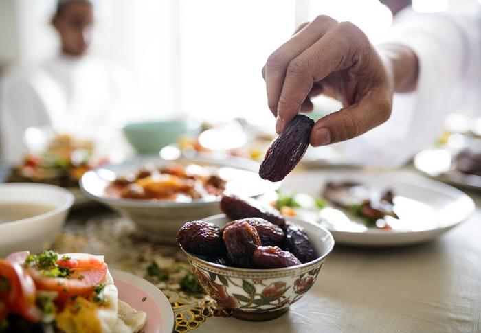 Cara Rasulullah Menolak Makanan yang Tidak Disuka