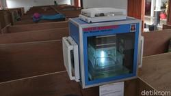 Alat pembersih udara karya Tagana ini mulai terpasang di pengungsian Glagaharjo, Sleman, untuk mencegah penyebaran COVID-19 melalui udara di ruangan pengungsian