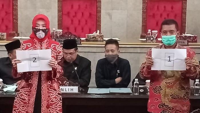 Dua kandidat Wakil Bupati Cirebon.
