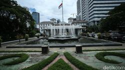 DKI Minta Aturan Urus Administrasi Kependudukan Wajib Bawa Surat Vaksin Dicabut