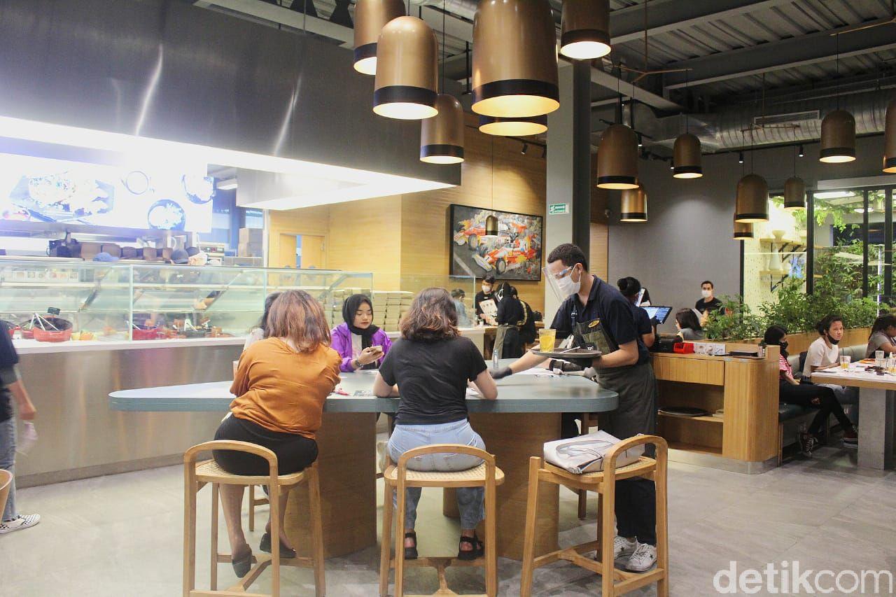 KFC Naughty by Nature: Menu Sehat Paduan Salad dan Fried ...