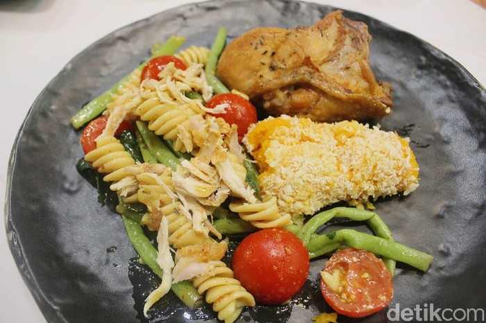 KFC Naughty by Nature: Menu Sehat Paduan Salad dan Fried Chicken