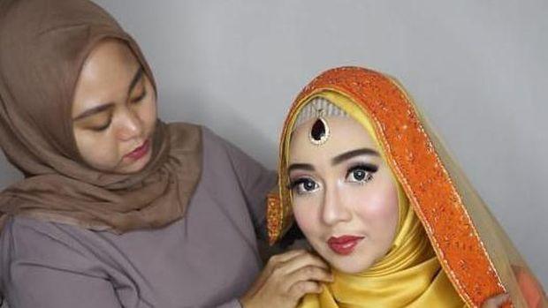 Mengintip Cuan dari Profesi Hijab Stylish