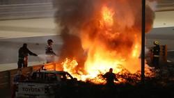 Detik-detik Kecelakaan Maut di F1 Bahrain: Mobil Tabrak Pembatas, Meledak, Terbelah Dua