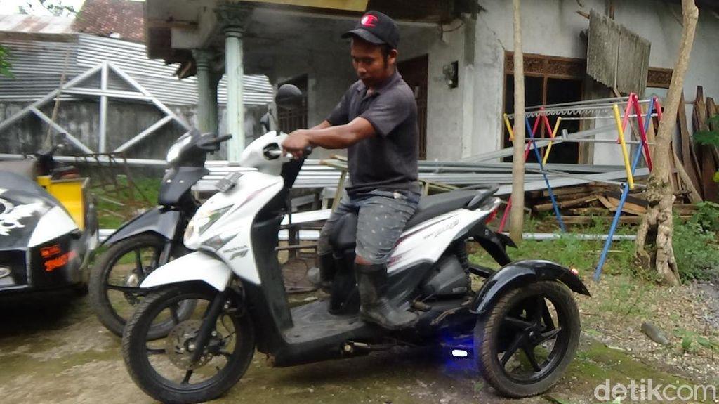 Potret Inspiratif Kang Jimin, Ikhlas Bikin Motor Roda Tiga untuk Difabel