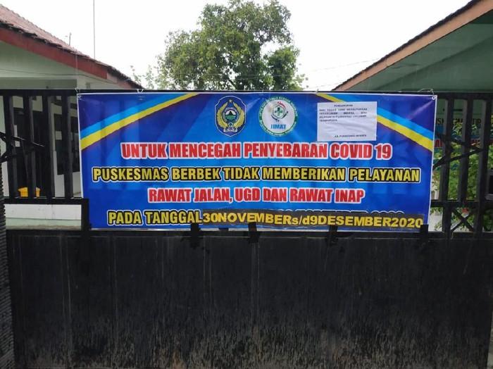 Seorang nakes Puskesmas Berbek, Nganjuk curhat ke DPRD setempat meminta Puskesmas tersebut di-lockdown, karena terpapar COVID-19. Kini, harapan nakes tersebut terwujud.